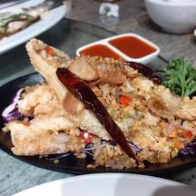 หอมเนื้อปลาแซลม่อน ดับคาวด้วยกระเทียมเจียว แต่อมน้ำมันมาก