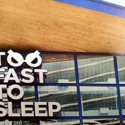 Too Fast To Sleep สี่พระยา