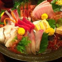 Yuki Sashimi สุดยอดซาชิมิ 7 อย่างของร้าน