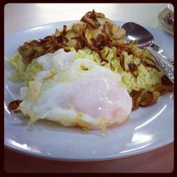 ข้าวหมกไก่ ไข่ดาวสวย ๆ