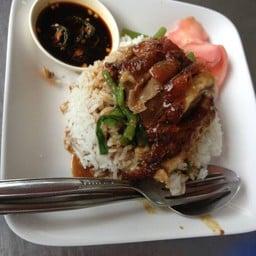 เป็ดย่างฮ่องกง (หลัง รร. อนุบาลระนอง)