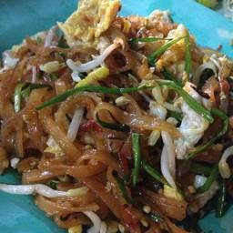 ปูเป้ ผัดไทย หอยทอด