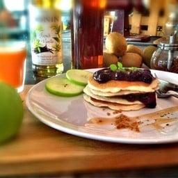 Raspberry Pancake @Merrcy Coffee&Cuisine