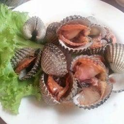 หอยแครงเผา เนื้อไม่สุกและแห้งจนเกินไผ เริศมากค่ะ