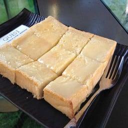ขนมปังปิ้งราดนมข้นหวาน แนะนำให้ลอง (35 บาท)