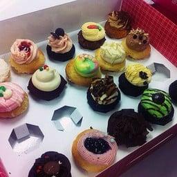Cupcakes สีสวย อร่อยๆ