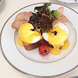 Egg Benedict (Turkey Ham)