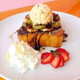 Deejung Waffle Cafe.