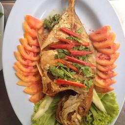 ปลาตะคองทอดราดน้ำปลา