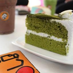 Green Tea Cake เค้กชิ้นนี้คนที่ชื่นชอบชาเขียวและเค้กไม่ควรพลาดนะครับ
