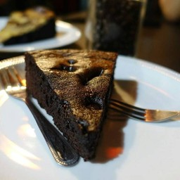 Dark chocolate browmie