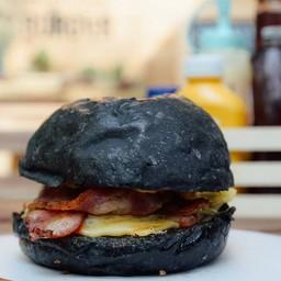 Very Cheese Burger** Charcoal Bun