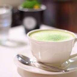Hot Green Tea Latte (65 บาท)