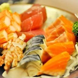 ปลาดิบ ใหม่ สด @Tengoku De Cuisine