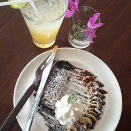 Choco Banana Crepe และ น้ำผึ้งมะนาวโซดา