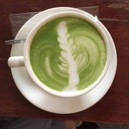 ESCAPE BISTRO AND CAFE