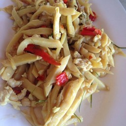 อาหารไทยเมืองย่า