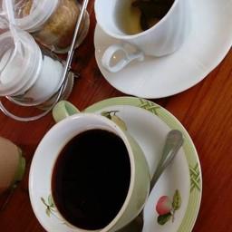 Gelato & Coffee Cake (ท่าพระจันทร์)