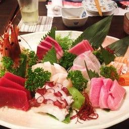 ร้านอาหารญี่ปุ่นฮอกไกโด สาขาใหญ่ สุรวงศ์ ดุ๊กทาวเวอร์
