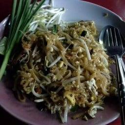 ผัดไทย-หอยทอด สูตรปากน้ำโพ