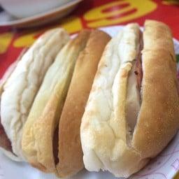 ขนมปังยัดไส้