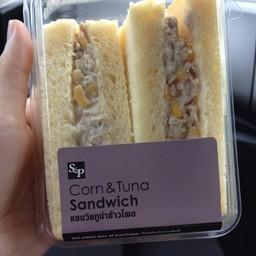 แซนวิชทูน่าข้าวโพด