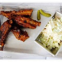 Smoke BBQ Pork Spare Ribs with Pomelo coleslaw