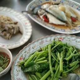 ผัดผักบุ้งไทย