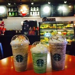 Starbucks มณเฑียรพลาซ่า