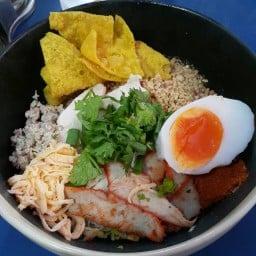 ก๋วยเตี๋ยวไข่ต้มยำโบราณ บ้านเกาะ (สูตรราชบุรี)
