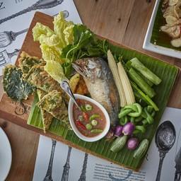 เซตน้ำพริกกะปิ ปลาทูชะอม