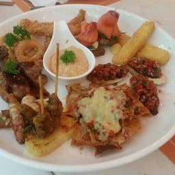 Munch Restaurant @ Citrus Sukhunvit 11 Hotel