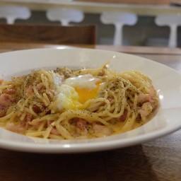 Pasta carbonara & soft boiled egg (135.-)