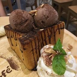 Chocolate Banana Toast