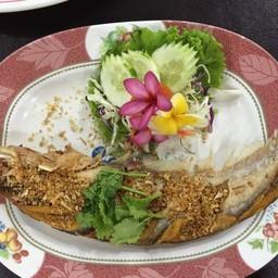 ปลาเนื้ออ่อนทอดกระเทียม (5 ขีด)
