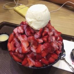 Strawberry Bingsoo