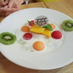 Fruiturday ถ.ราชดำเนิน
