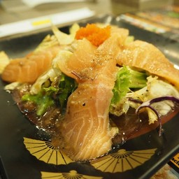 สลัดปลาแซลมอน