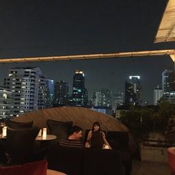 บรรยากาศ Nest Rooftop Bar Le Fenix Sukhumvit