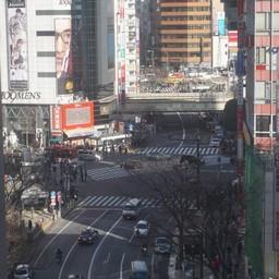 วิวจากหน้าต่างร้าน มองเห็น5แยกชิบุย่าเลย