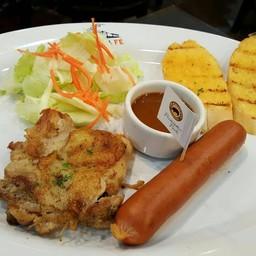 สเต๊กไก่ไส้กรอกหมูคูโรบุตะ