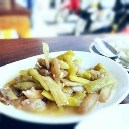 ข้าวแกงแสนตุ้ง จันทบุรี