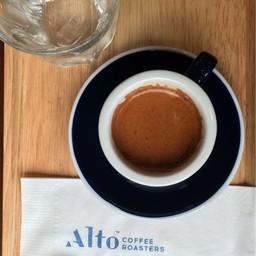 Alto Coffee Roasters สวนเพลิน พระรามสี่