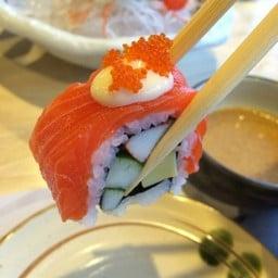 Fin Sushi เมญ่า