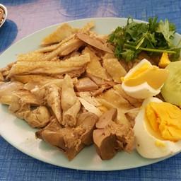 ไก่ต้มจานกลาง