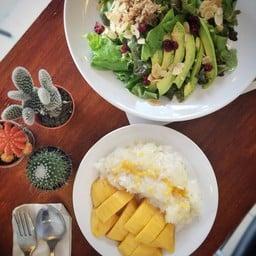 Greenseason Healthy Cafe & Kitchen (Salad Villageเดิม) พระรามเก้า41