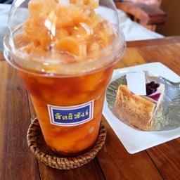 iced tea and newyork cheesecake