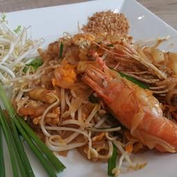 ผัดไทยกุ้งแม่น้ำสด