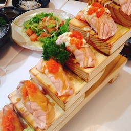 Salmon Aburi Saikyo Roll