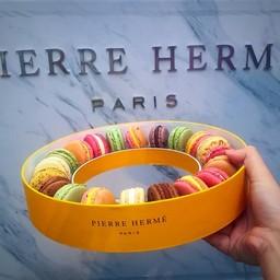 Pierre Hermé Paris EmQuartier